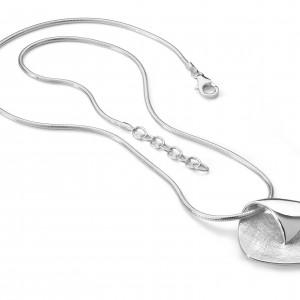 sc848 necklace